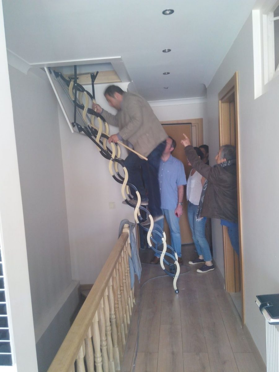 portatif makaslı çatı merdivenleri
