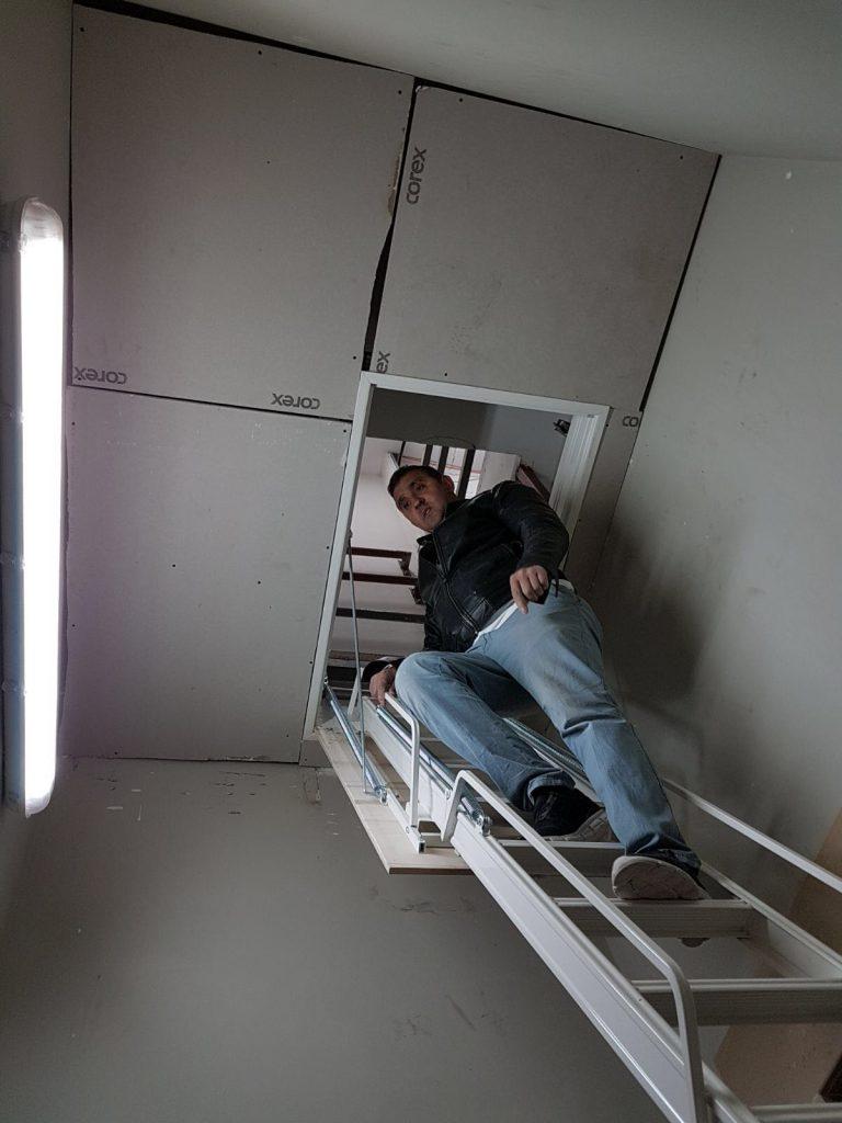 akordiyon alüminyum çatı merdivenleri