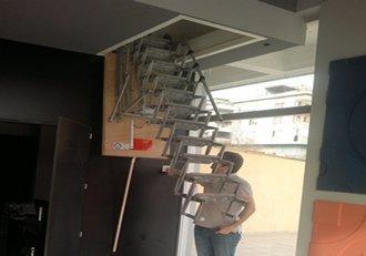 motorlu çatı merdivenleri