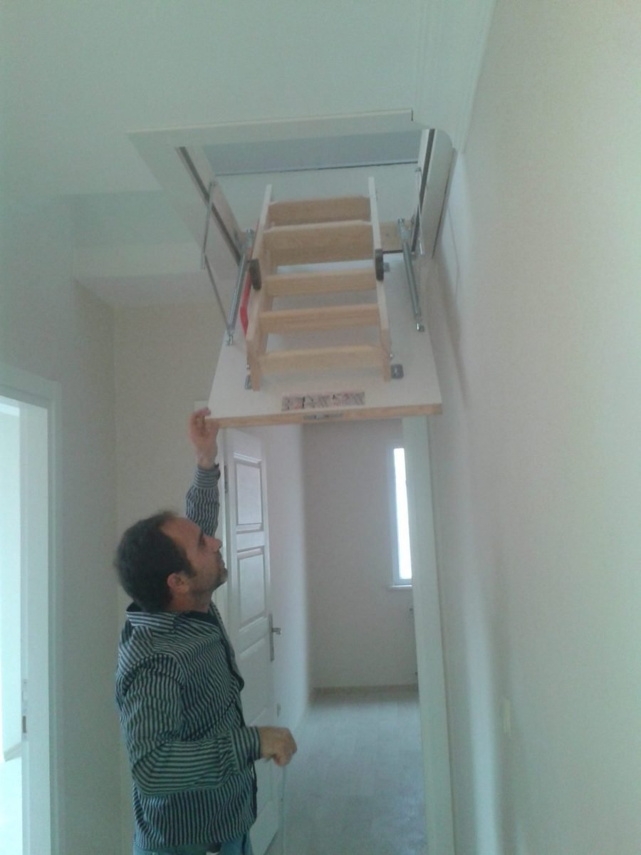 villa fakro ahşap çatı çıkış merdivenler