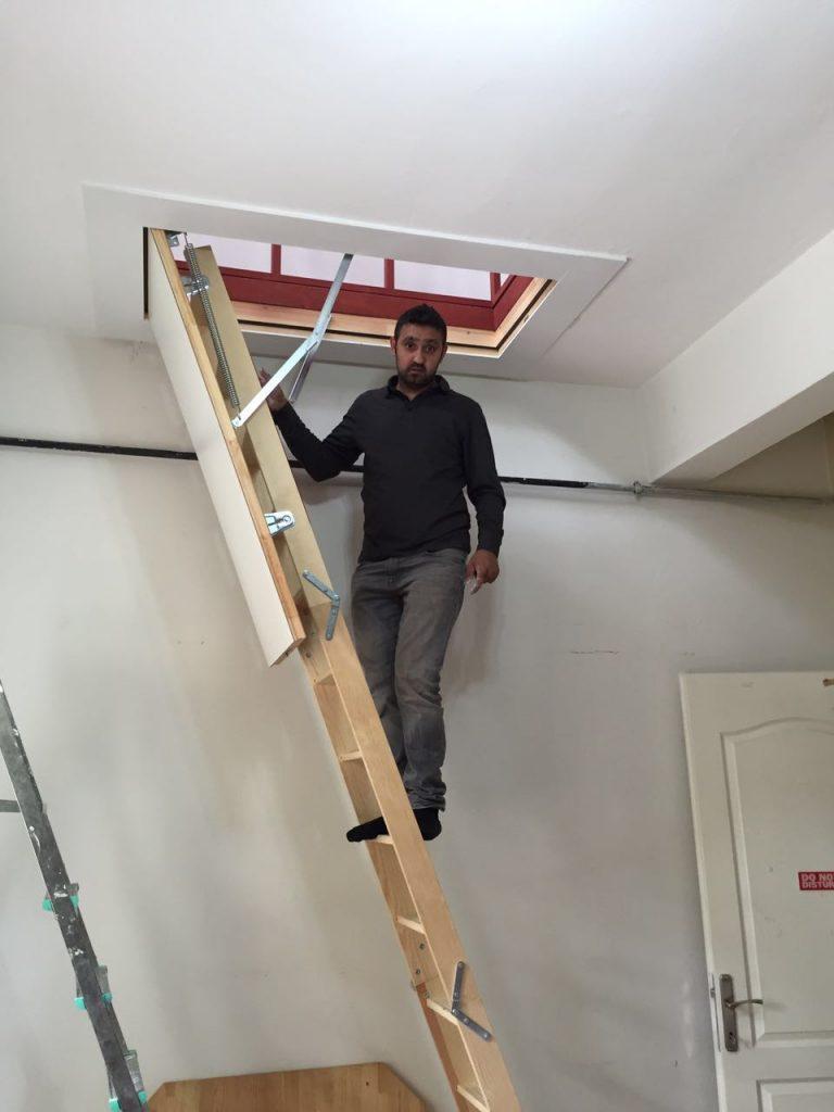 ahşap çatı merdivenleri inşaat için
