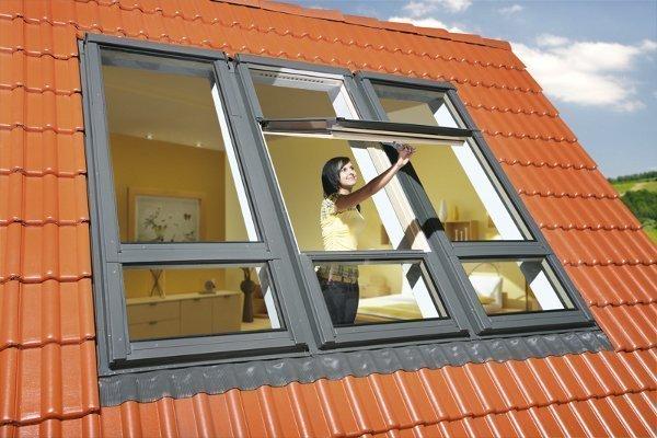 Yüksek Pivot Orta Kayıtlı Fakro Penceresi