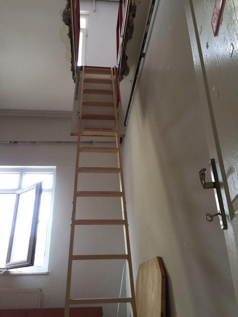 teras ahşap katlanır çatı merdiveni